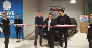 Taglio del nastro per il nuovo punto vendita Drive Different di CarServer a Milano