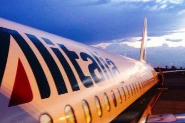 Alitalia, una storia infinita. Se ne discute da IBL