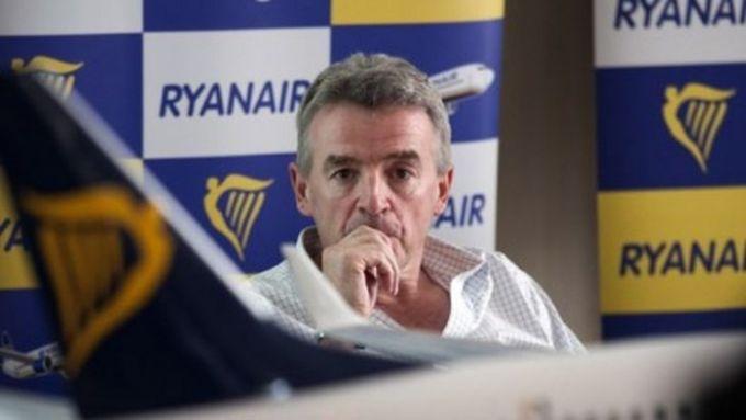 Alitalia, Ryanair: la compriamo solo se ristrutturata bene