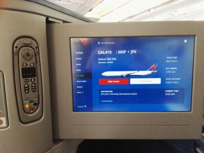 L'arrivo a New York JFK dallo schermo dell'aereo