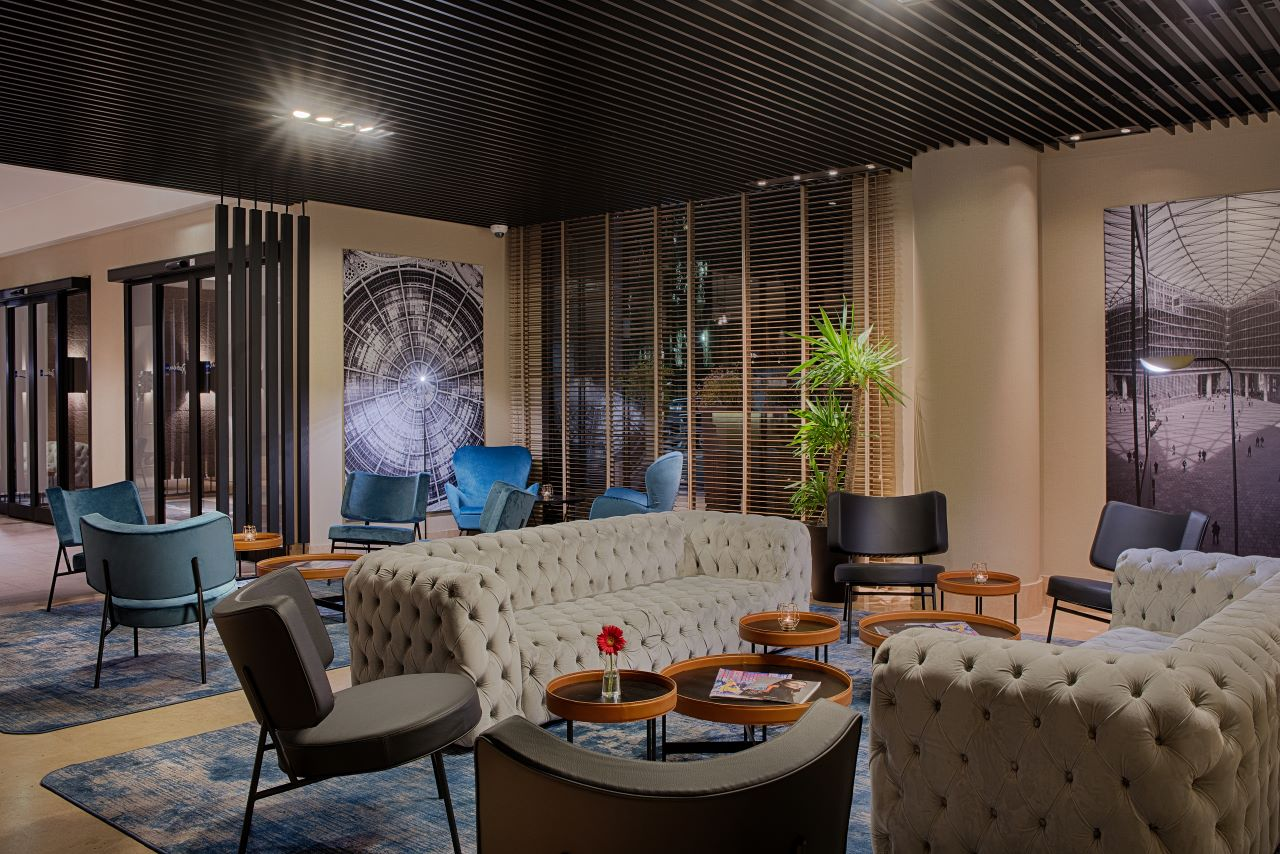 La lobby con spazio di coworking