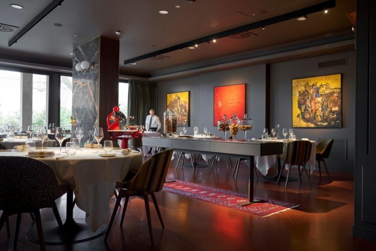 Gli interni di Exé Restaurant