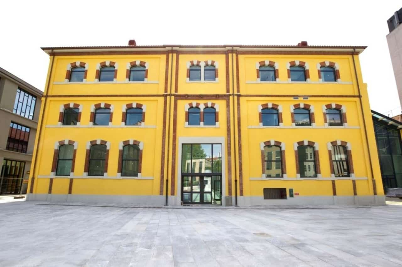 La-facciata-esterna-di-Adi-Design-Museum