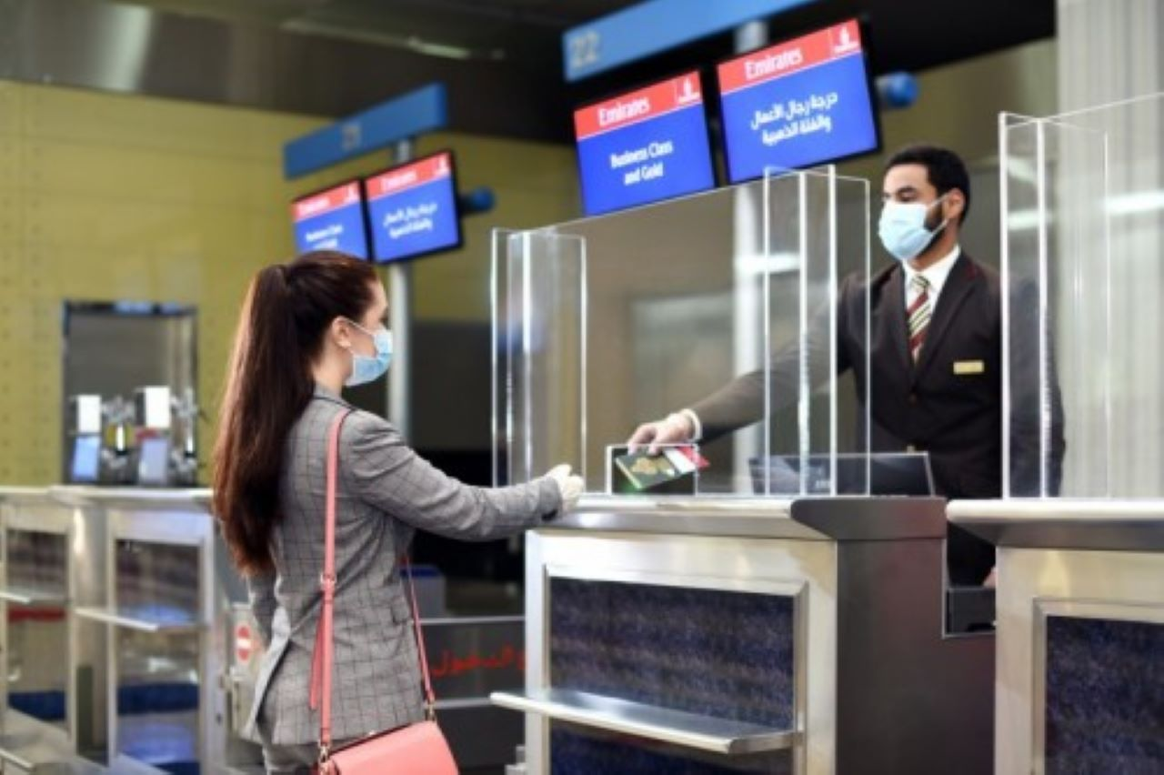 Banco check in all'aeroporto di Dubai