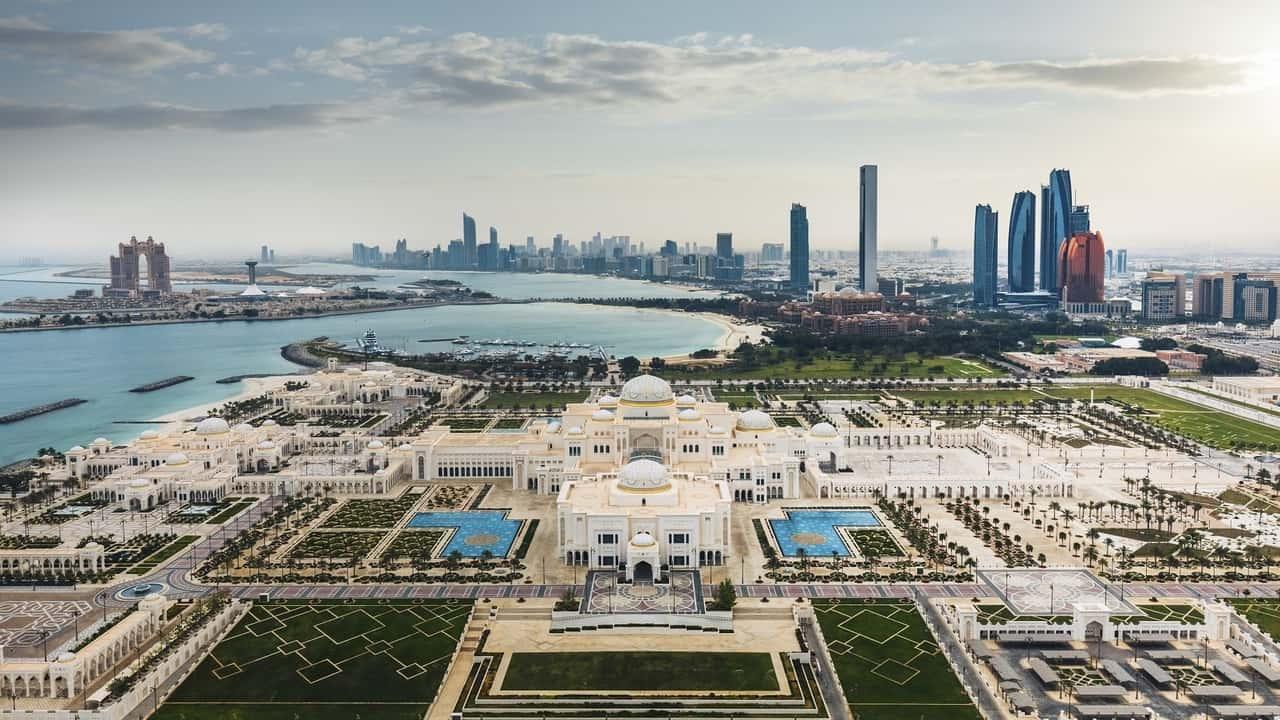 Vista-mattutina-su-Abu-Dhabi